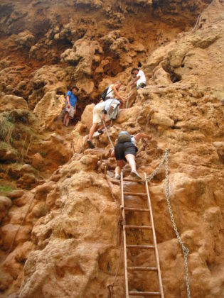 The final steps down to Mooney Falls | Camp Arizona
